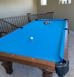 Beautiful Olhausen Hampton 9' pool table - excellent condition (retail for over $6k)